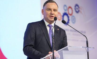 Prezydent A. Duda: kolej jest jedną ze strategicznych gałęzi polskiego przemysłu