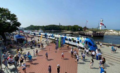 Zachodniopomorskie pokazało w Kołobrzegu kolejny pociąg hybrydowy [GALERIA]