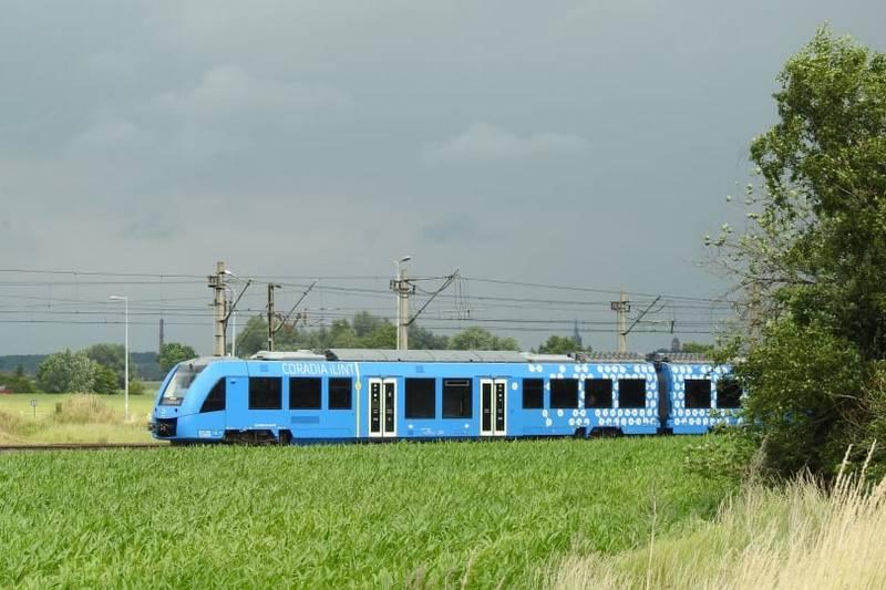 W Żmigrodzie zaprezentowano wodorowy pociąg Coradia iLint [GALERIA]