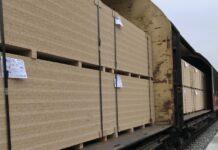 Z fabryki EGGER w Biskupcu wyjechał pierwszy pociąg z gotowymi produktami