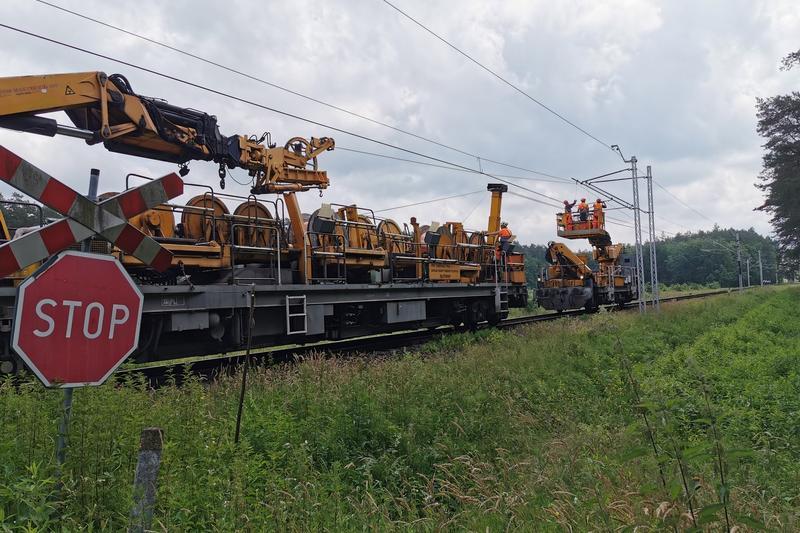 Trwa elektryfikacja linii Ocice – Rzeszów