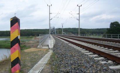 UTK: pracownicy kolei przekraczają granicę bez kwarantanny