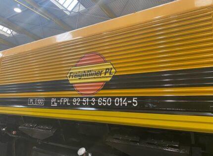 Pierwszy Class66 Freightliner PL w nowej malaturze