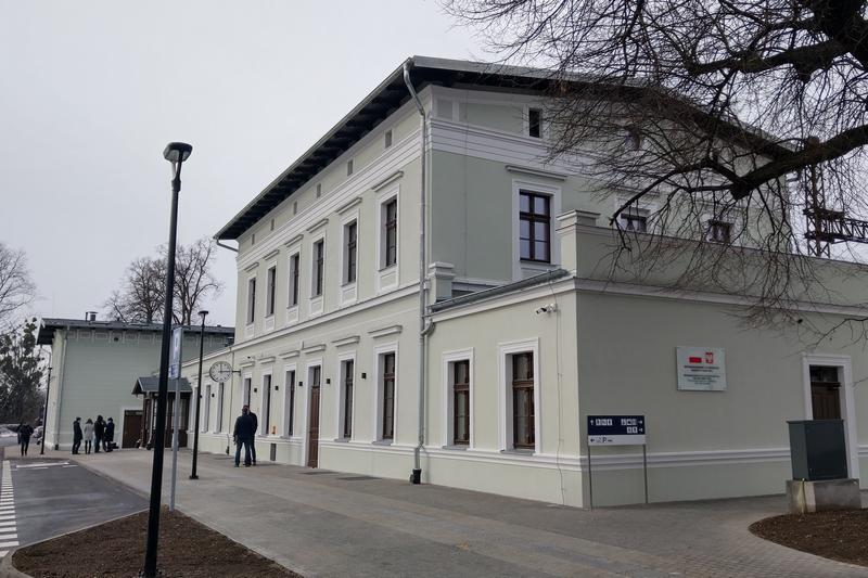 Poseł Jaros interweniował ws. parkingów przy stacjach w Gminie Kąty Wrocławskie