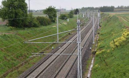 Ile jeszcze potrwa modernizacja linii kolejowej z Poznania do Warszawy?