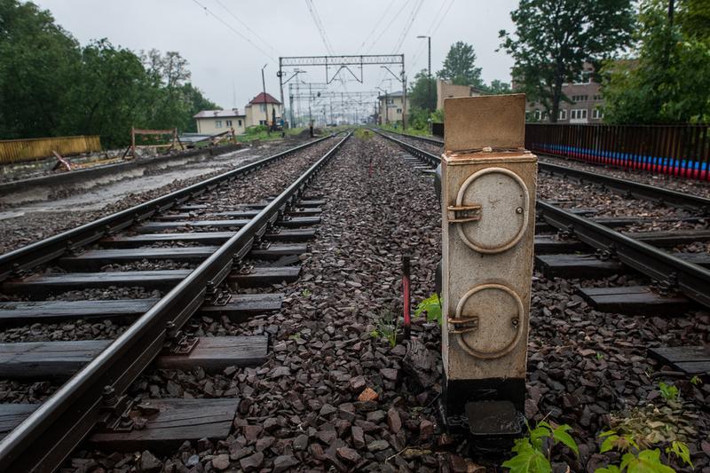 UOKiK: 13,5 mln zł kary dla sześciu producentów drewnianych podkładów kolejowych