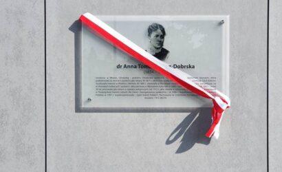 Dr Anna Tomaszewicz-Dobrska patronką dworca kolejowego w Mławie
