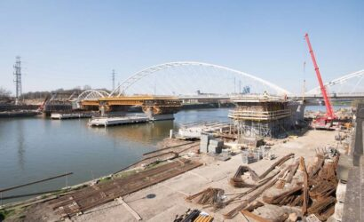 Strabag przedstawił zaawansowanie prac na budowie kolejowych mostów w Krakowie
