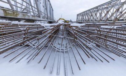 Rozpoczęła się budowa nowego mostu nadrzeką Kamienną wOstrowcu Świętokrzyskim