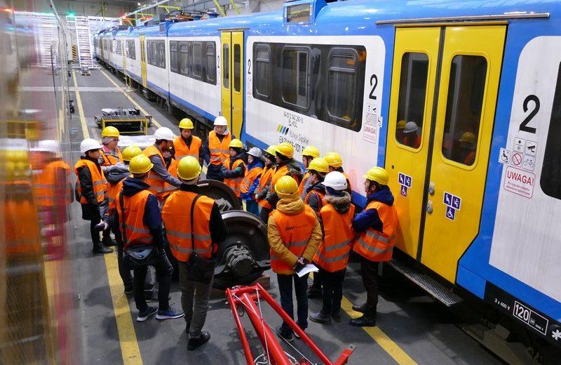 """Koleje Śląskie podsumowały akcję """"Kolej na ferie"""""""