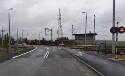 Śląskie: bezpieczniej na 60 przejazdach kolejowo-drogowych