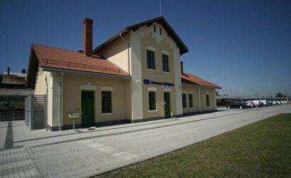 Pasażerowie mogą już korzystać z przebudowanego dworca w Radymnie
