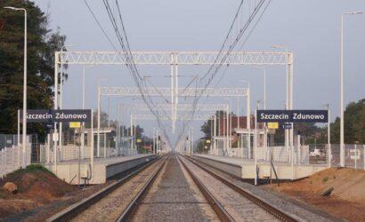 Pasażerowie korzystają z nowych peronów między Szczecinem a Stargardem
