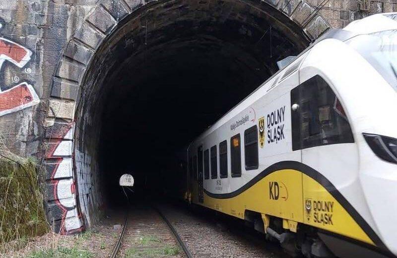 PLK odnowią tunel na trasie z Wrocławia do Jeleniej Góry