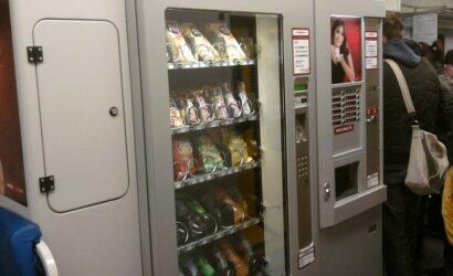 PKP Intercity chce wyleasingować 148 automatów z przekąskami i napojami