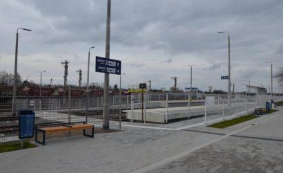 Pasażerowie na trasie z Hajnówki do Czeremchy korzystają z nowych peronów