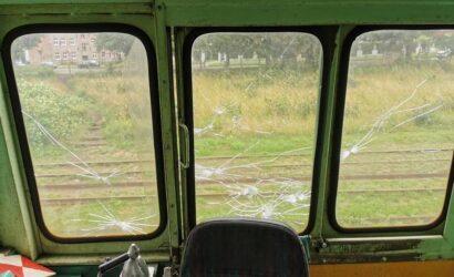 Dwaj ośmiolatkowie zdewastowali lokomotywę koszalińskiej wąskotorówki