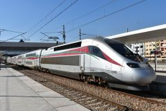 Pociąg Al Boraq w Casablance na stacji Casa Voyageurs