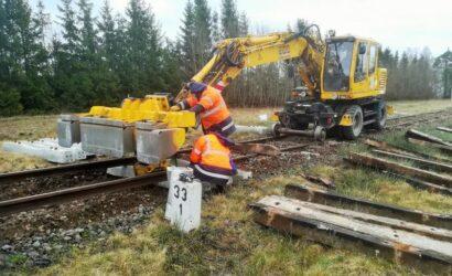 Rozpoczęły się prace przy wymianie 20 km toru na odcinku Chojnice – Lipusz