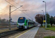 Kolejne nowoczesne pociągi FLIRT Stadlera trafiły do Kolei Mazowieckich