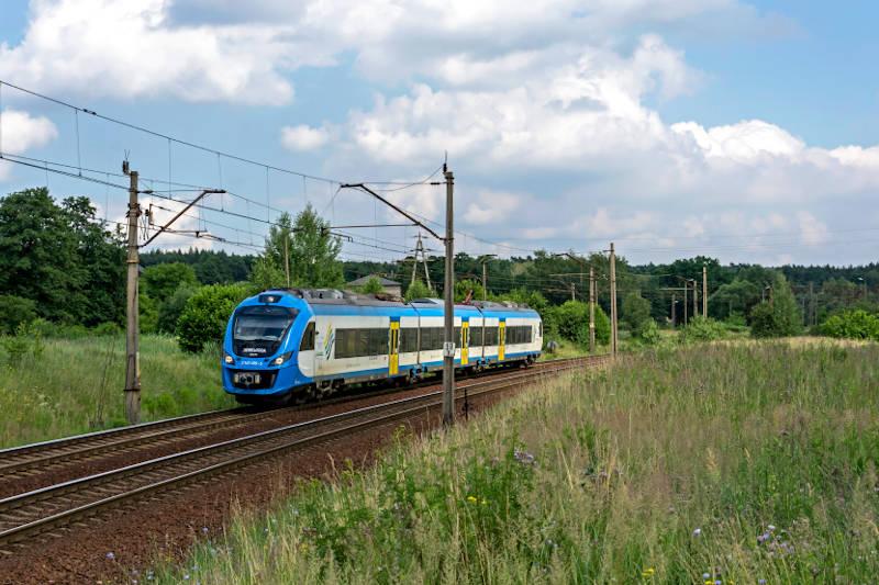 Koleje Śląskie zapraszają do wakacyjnych podróży pociągiem