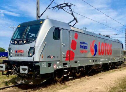 Lotos Kolej odebrała pierwszą lokomotywę Traxx DC3 z Akiem