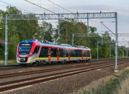 Zmiany cen biletów miesięcznych ŁKA i Polregio na linii do Radomska
