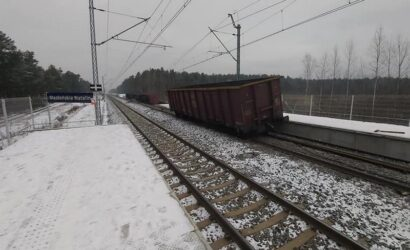 Jeszcze kilka dni utrudnień po wykolejeniu na szlaku stacjami Poraj – Myszków
