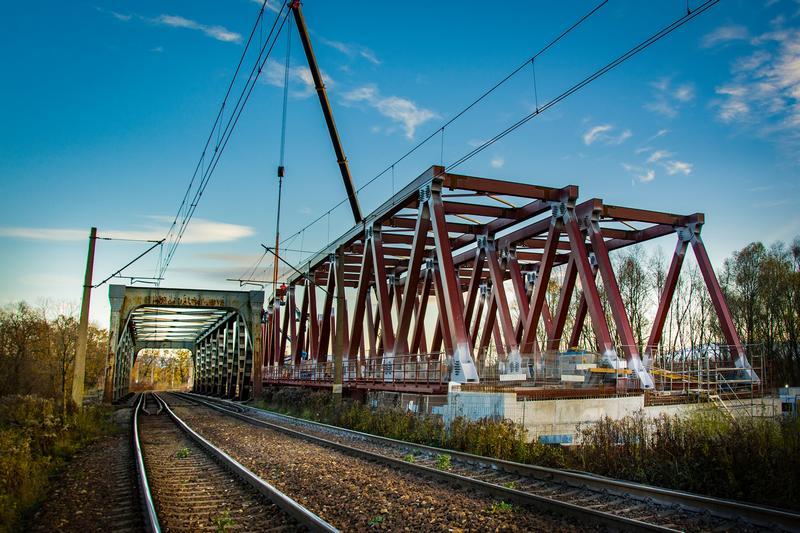 Kolejowy most już widać nad Wisłą między Czechowicami a Zabrzegiem [galeria]