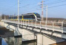 Pociągi jeżdżą już przebudowanymi mostami nad kanałem Gliwickim i rzeką Kłodnicą