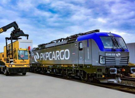 Vectron PKP Cargo w nowym malowaniu