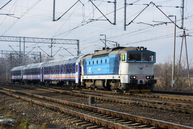 PKP IC: mamy wystarczającą liczbę lokomotyw spalinowych