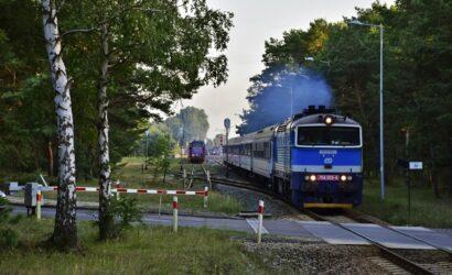 Co warto wiedzieć podróżując koleją w wakacje?