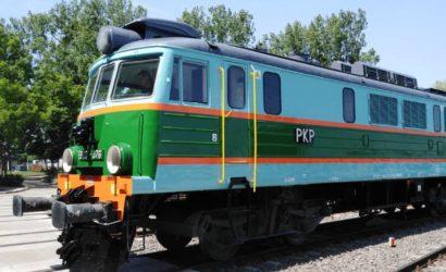 Lokomotywy PKP Intercity w historycznych barwach