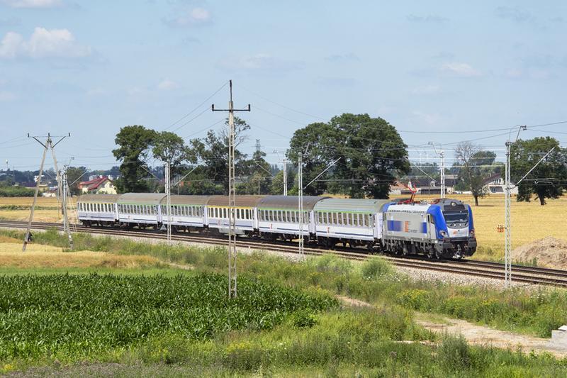 Limit 50 proc. miejsc siedzących w pociągach PKP Intercity