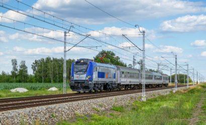 W jaki sposób PKP Intercity zabezpiecza pasażerów w przypadku opóźnienia pociągu?