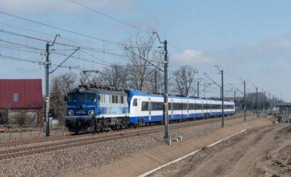 Nowy FLIRT dla PKP Intercity dojeżdża do Żmigrodu [GALERIA]
