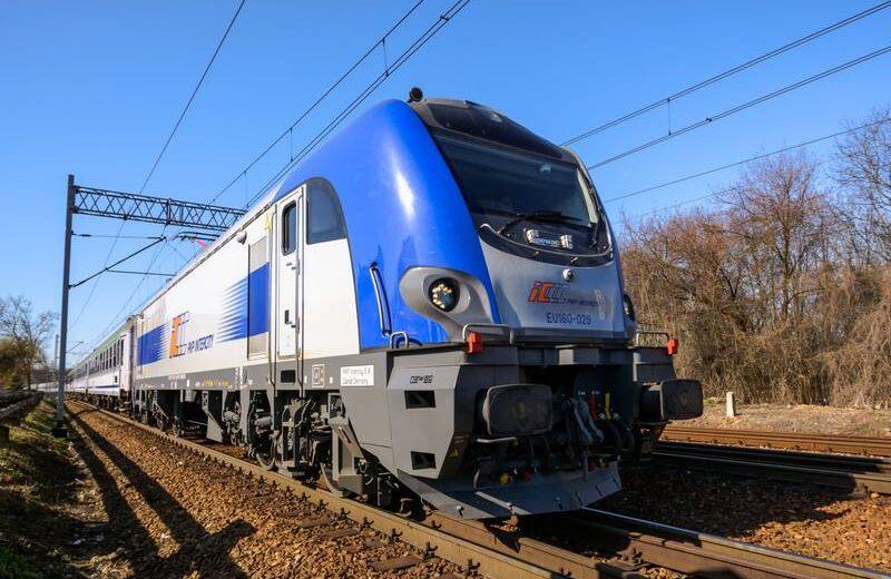Kiedy pociągi na linii Warszawa-Radom-Kielce-Kraków pojadą co godzinę?