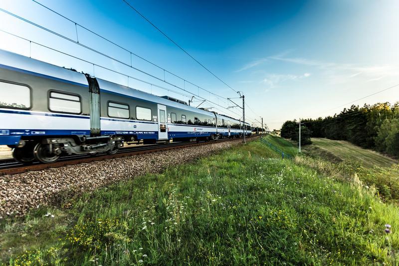 Dzięki wdrożeniu eco drivingu PKP Intercity chce zaoszczędzić na energii elektrycznej