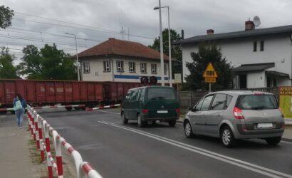 Dwupoziomowe skrzyżowanie zastąpi przejazd kolejowy w Kobylnicy