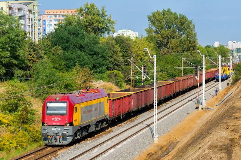 Już wkrótce instalacje fotowoltaiczne zasilą infrastrukturę Rail Polska