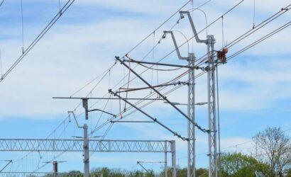 Złodzieje uszkodzili sieć trakcyjną na szlaku Raszówka – Lubin