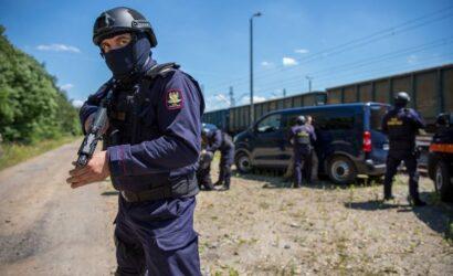 Poszukiwani przez Policję zatrzymani na kradzieży przez SOK