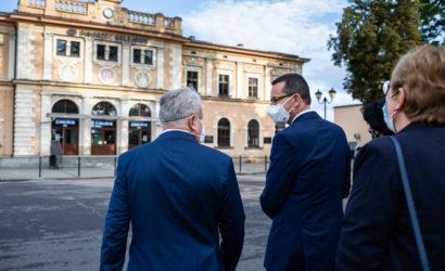 Premier Morawiecki zainicjował odbudowę linii kolejowej 182 w Tarnowskich Górach