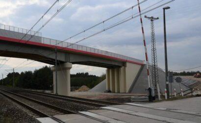 Dwa nowe wiadukty nad Centralną Magistralą Kolejową zwiększyły poziom bezpieczeństwa