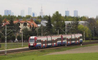 Pasażerowie wracają do pociągów WKD