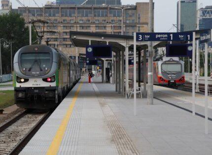 Trakcja: zakończenie prac na stacji Warszawa Gł. do końca października 2021 r. [GALERIA]