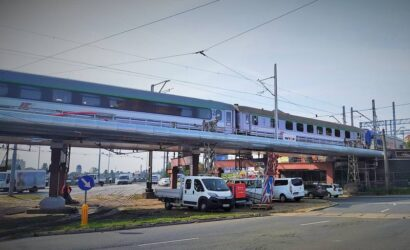 Pociągi jeżdżą po wyremontowanej części wiaduktu przy stacji Szczecin Główny